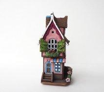 ch017 リトアニア キャンドルハウス 窓辺で小鳥が歌う♪二階建てのおうち