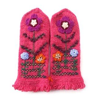 mt139 リトアニア 花刺繍の手編みミトン 幅9cm×長さ24cm コーラルピンクベース 紫色のお花