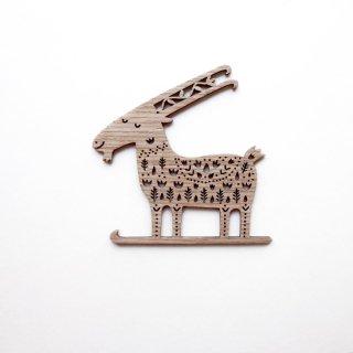 or318 リトアニア EtnoDesignエトノデザイン 木製オーナメント スキーしてるヤギ やぎ 山羊
