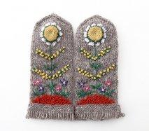 mt109 リトアニア 花刺繍の手編みミトン 幅8.5cm×長さ21cm グレーベース 小さいサイズ
