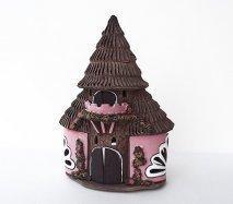 ch042 リトアニア キャンドルハウス とんがり屋根がパカッと外れるロマンチックなおうち