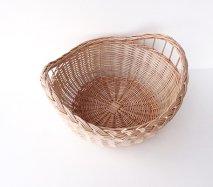 bs029 リトアニアのかご 透かし編みが美しい手編みかご 持ち手部分に透かしの入ったフルーツかご