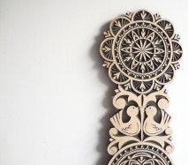 ve024 リトアニア 伝統工芸の壁飾り Verpste ベルプステ 黒ベース 47cm