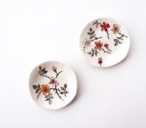 sc007 リトアニア 手びねりの形とラフな手書きイラスト 味のある陶器 小皿11cm