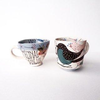 sc015 リトアニア 手びねりの形とラフな手書きイラスト 味のある陶器 大きなマグカップ