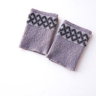 rie141-violeta リトアニア ビーズ編みのリストウォーマー RIESINES ライトグレーにチェック柄のボーダービーズ