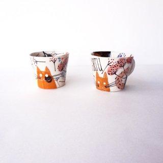sc016 リトアニア 手びねりの形とラフな手書きイラスト 味のある陶器 マグカップ小 ネコ