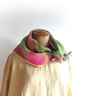 ny943 リトアニアの手織りリネンスカーフ ピンクとグリーン
