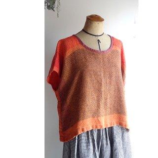 リトアニア 手織りリネンのトップス 明るいオレンジのグラデーション
