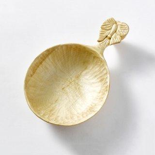 リトアニア 手彫りの木の器、入れもの 持ち手にちょうちょ