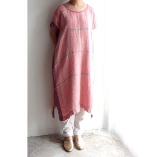 nyc007 手織りリネン 明るいピンクにグレーのラインが入ったワンピース