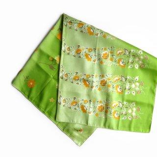 vs2969 ヴィンテージスカーフ 明るいライトグリーンのグラデーションにオレンジの花柄