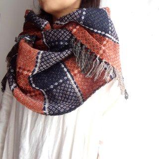 リトアニア Audejaの手織りウール オレンジと濃紺のチェック柄大判ストール