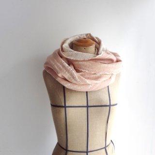 afs017 リトアニア 手づくりのフェルトスヌード ピュアシルク×メリノウール うっすらと色づくダスティピンク