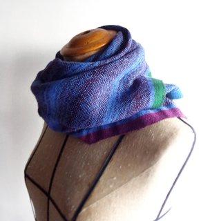 ny757 リトアニアの手織りリネンスカーフ ブルーの色合いに紫とグリーンのライン