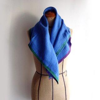 ny767 リトアニアの手織りリネンスカーフ 美しいブルーに紫とグリーンの縁取り