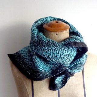 ny771 リトアニアの手織りリネンスカーフ 鮮やかなブルーグリーンに黒い縁取り