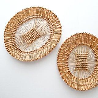 bs039 リトアニアのかご 透かし編みが美しい手編みかご 平べったいかご カゴ 籠