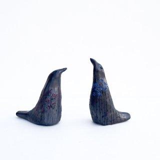 rgn024 リトアニア Reginaさんの黒陶器 ブラックセラミック 小鳥の笛の置物