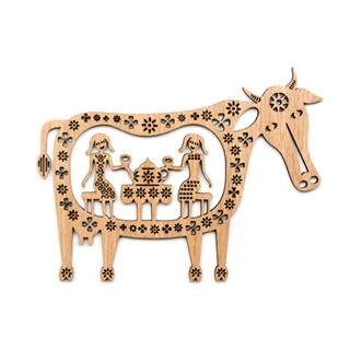 or090 リトアニア EtnoDesignエトノデザイン 木製オーナメント 牛のおなかで終わらないティータイム うし ウシ