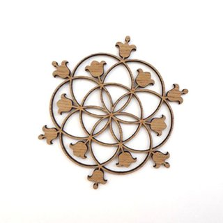 or330 リトアニア EtnoDesignエトノデザイン 木製オーナメント 美しいスノーフレークの飾り