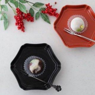 椿 輪花皿