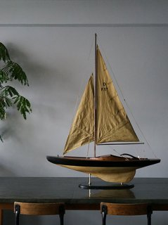 Wood Sailboat画像