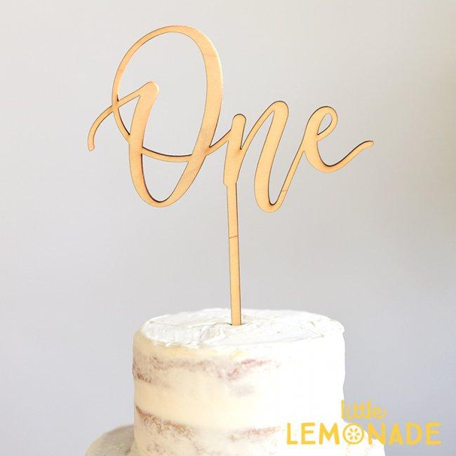 ケーキトッパー スクリプト One Studio M 木製 ケーキ用飾り Cake Topper ハッピーバースデイ お誕生日 カリグラフィー 筆記体 ファーストバースデイ 1歳誕生日 ケーキデコレーション リトルレモネード