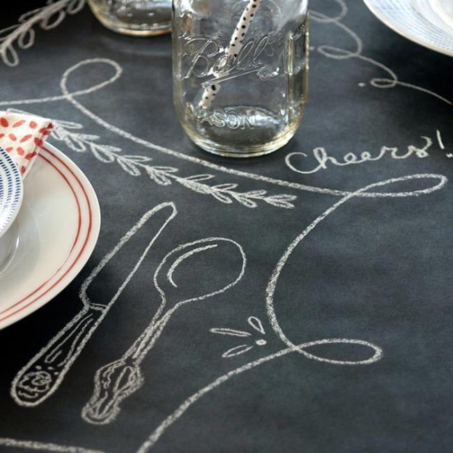 チョークボード風 紙製テーブルカバー・テーブルランナー