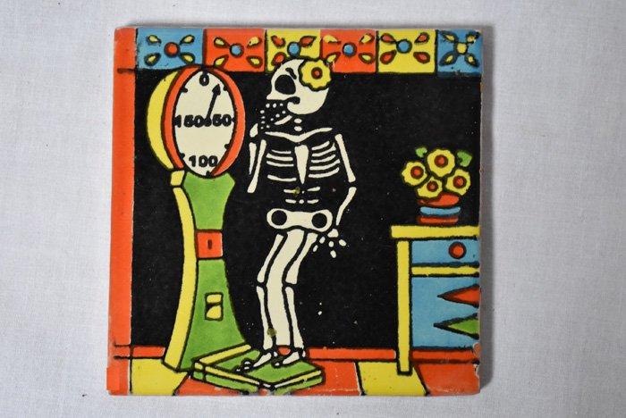 メキシカンタイル/『ダイエット中の骸骨』