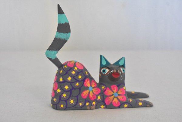 アレブリヘ『猫さん☆・カラフル(中)』(ウッドカービング)