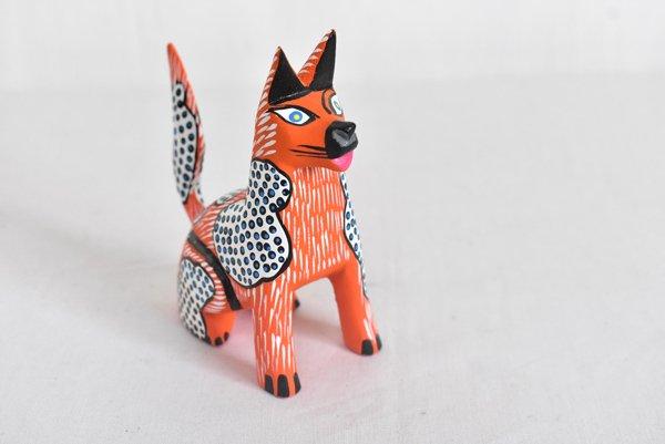 アレブリヘ『犬』(中)by Alberto Jimenez ojda(ウッドカービング)
