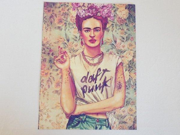ポスター『Daft PunkTシャツを着たフリーダ・カーロ』