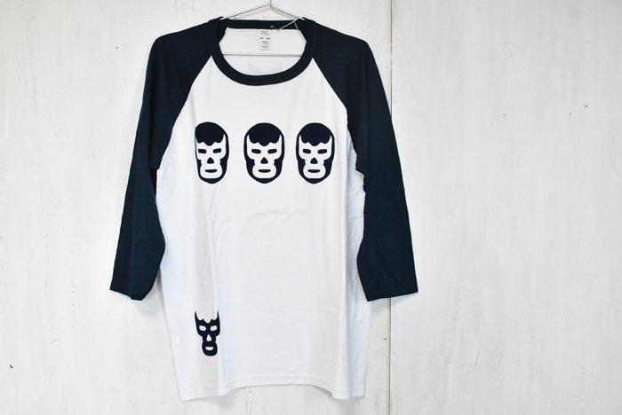 <img class='new_mark_img1' src='https://img.shop-pro.jp/img/new/icons7.gif' style='border:none;display:inline;margin:0px;padding:0px;width:auto;' />ルチャリブレTシャツ☆七分丈『トレスアミーゴ』(M-size/ホワイト)