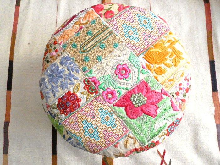インドザリ刺繍古布スツール☆アイボリーE