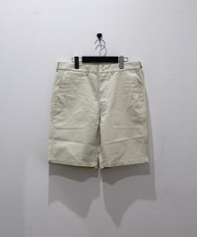 <img class='new_mark_img1' src='https://img.shop-pro.jp/img/new/icons8.gif' style='border:none;display:inline;margin:0px;padding:0px;width:auto;' />marka <BR>CHINO SHORTS (IVORY)