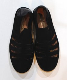 <img class='new_mark_img1' src='https://img.shop-pro.jp/img/new/icons49.gif' style='border:none;display:inline;margin:0px;padding:0px;width:auto;' />SINGH AND SON <BR>MADRAS SANDALS (BLACK) SOLD OUT