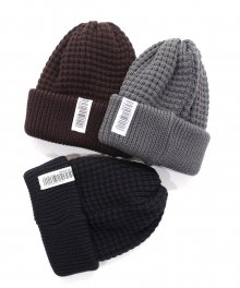 <img class='new_mark_img1' src='https://img.shop-pro.jp/img/new/icons49.gif' style='border:none;display:inline;margin:0px;padding:0px;width:auto;' />UNIVERSAL<BR>PRODUCTS <BR>WOOL WAFFLE BEANIE SOLD OUT