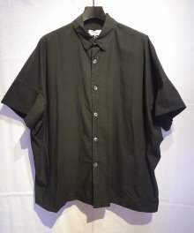<img class='new_mark_img1' src='https://img.shop-pro.jp/img/new/icons49.gif' style='border:none;display:inline;margin:0px;padding:0px;width:auto;' />marka <BR>ORGANIC COTTON BROAD WIDE SHIRT (BLACK) SOLD OUT