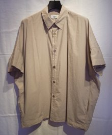 <img class='new_mark_img1' src='https://img.shop-pro.jp/img/new/icons8.gif' style='border:none;display:inline;margin:0px;padding:0px;width:auto;' />marka <BR>ORGANIC COTTON BROAD WIDE SHIRT (GRAYGE)