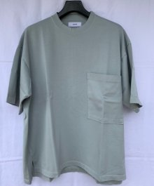 <img class='new_mark_img1' src='https://img.shop-pro.jp/img/new/icons49.gif' style='border:none;display:inline;margin:0px;padding:0px;width:auto;' />marka <BR>BIG POCKET TEE (GREEN) SOLD OUT