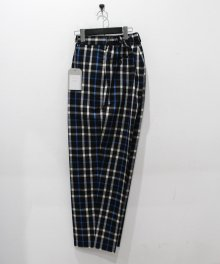<img class='new_mark_img1' src='https://img.shop-pro.jp/img/new/icons8.gif' style='border:none;display:inline;margin:0px;padding:0px;width:auto;' />MARKAWARE <BR>CLASSIC FIT TROUSERS (BLACK CHECK)