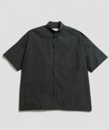 <img class='new_mark_img1' src='https://img.shop-pro.jp/img/new/icons49.gif' style='border:none;display:inline;margin:0px;padding:0px;width:auto;' />marka <BR>WIDE FIT BAND COLLAR SHIRT (GREEN) SOLD OUT