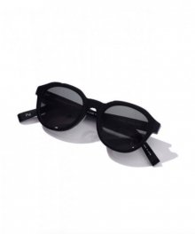 <img class='new_mark_img1' src='https://img.shop-pro.jp/img/new/icons8.gif' style='border:none;display:inline;margin:0px;padding:0px;width:auto;' />UNIVERSAL<BR>PRODUCTS <BR>CONTINUER GLASSES