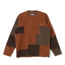 <img class='new_mark_img1' src='https://img.shop-pro.jp/img/new/icons8.gif' style='border:none;display:inline;margin:0px;padding:0px;width:auto;' />White<BR>Mountaineering<BR>PATCHWORK FLEECE CREWNECK (BROWN)