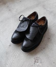 <img class='new_mark_img1' src='https://img.shop-pro.jp/img/new/icons49.gif' style='border:none;display:inline;margin:0px;padding:0px;width:auto;' />mythography WINGTIP (BLACK) SOLD OUT