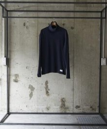 <img class='new_mark_img1' src='https://img.shop-pro.jp/img/new/icons8.gif' style='border:none;display:inline;margin:0px;padding:0px;width:auto;' />Utility Garments  TURTLE NECK (NAVY)