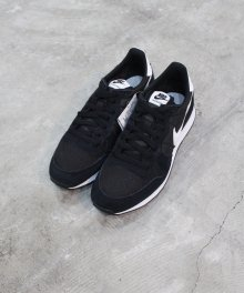 <img class='new_mark_img1' src='https://img.shop-pro.jp/img/new/icons49.gif' style='border:none;display:inline;margin:0px;padding:0px;width:auto;' />NIKE INTERNATIONALIST (BLACK) SOLD OUT