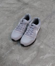 <img class='new_mark_img1' src='https://img.shop-pro.jp/img/new/icons49.gif' style='border:none;display:inline;margin:0px;padding:0px;width:auto;' />NIKE MD RUNNER 2 (WOLF GRAY) SOLD OUT