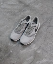 <img class='new_mark_img1' src='https://img.shop-pro.jp/img/new/icons49.gif' style='border:none;display:inline;margin:0px;padding:0px;width:auto;' />NIKE AIR ODYSSEY LTR (LUNAR GREY) SOLD OUT